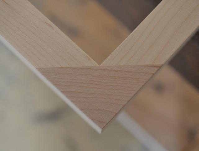 LAUMONT-frame-corner